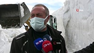 kar kalinligi -  Bahar ayında Bitlis'te 10 metrelik karla mücadele çalışmaları