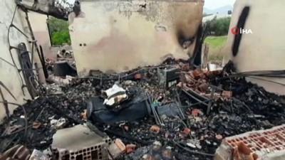 Gece çıkan yangın müstakil evi kül etti