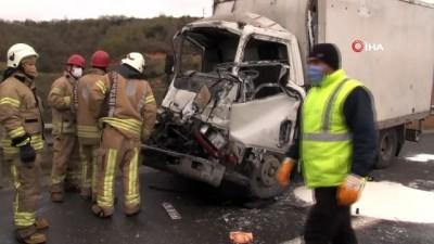 Kuzey Marmara Otoyolunda kamyon ile tır çarpıştı: 1 yaralı