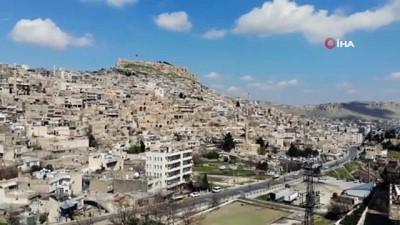 Mardin'de cadde ve sokaklar sessizliğe büründü