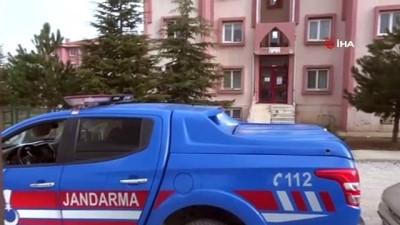 kisla -  Korona virüslü kadın komşularıyla mantı yaptı, apartman karantinaya alındı