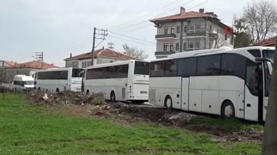 lyon -  Yolcu taşıma belgesi almak için yetkililerden yardım bekliyor