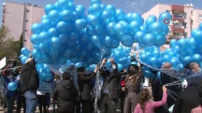 Antalya semalarında binlerce mavi balon