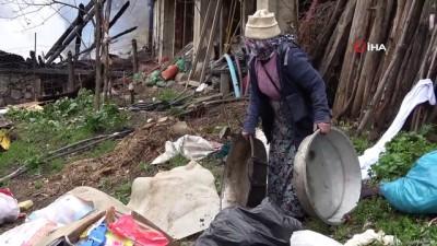 Evi yanan vatandaşlar gün ağarınca karşılaştığı manzara sonrası fenalık geçirdi