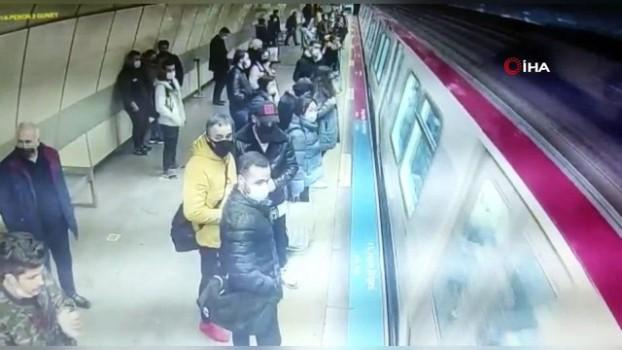 """metro istasyonu -  İstanbul'da hırsızlık için çocukları kullanan """"toplu taşıma çetesi"""" çökertildi"""