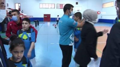 dera -  Ragbi sporuyla otizmli çocuklara farkındalık