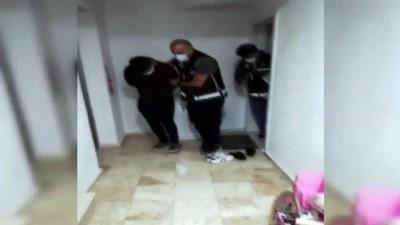 FETÖ üyelerini yurt dışına çıkaran şahıslara operasyon