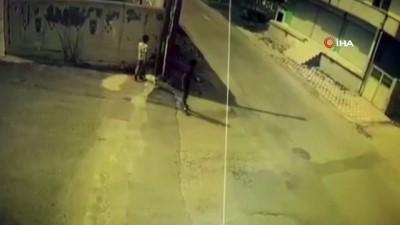 Batman'da bisikletli çocuğun ölümden saniyelerle kurtulduğu anlar kamerada