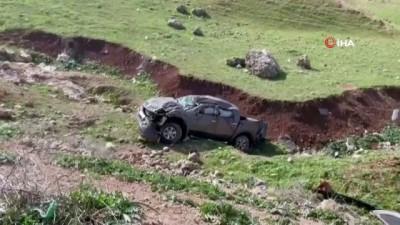 Koyun sürüsüne çarpmamak için direksiyonu kırdı: Hayatından oldu