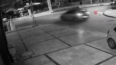 Manisa'da motorlu kuryenin ölümden döndüğü anlar kamerada
