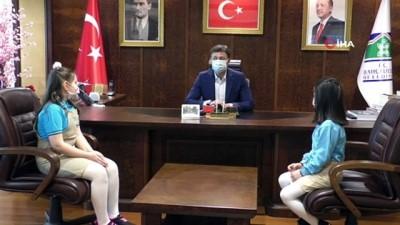 kullar -  Başkan Hakan Bahadır, koltuğunu çocuklara devretti