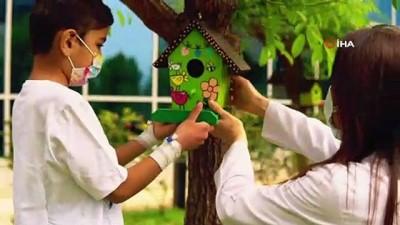 saglik calisanlari -  Mersin'de sağlık çalışanları, çocuklarla birlikte 23 Nisan klibi hazırladı