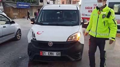 Samandağ'da 2 otomobil çarpıştı: 1 yaralı