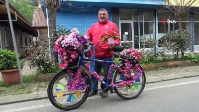 """21 bin TL'lik çiçek dağıttığı seçimi kaybetti: 'Kazanana kadar çiçek dağıtacağım"""""""