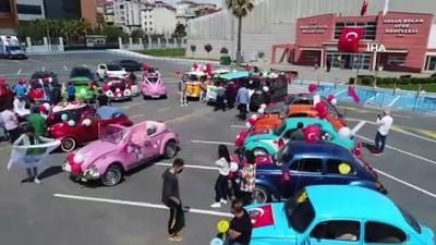 Çocuklara nostaljik otomobillerle 23 Nisan sürprizi