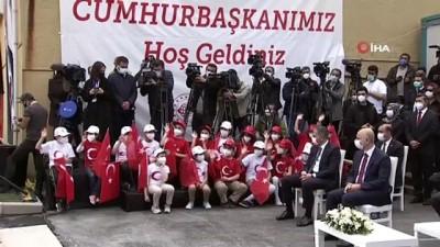Cumhurbaşkanı Erdoğan: 'Asla bu bayrağın dalgalandığı yerde hüzün keder olmayacak, kiminle? Bu yavrularımızla'