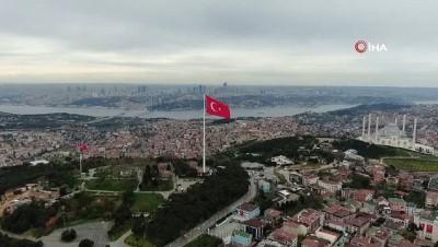 Cumhurbaşkanı Erdoğan, Çamlıca Tepesi'nde bayrak çekme törenine katıldı