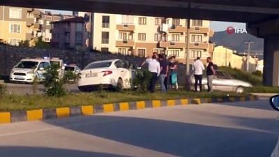 Hatay'da polis aracı ile sivil araç çarpıştı: 4 yaralı