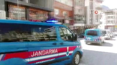 Polis ve jandarmadan 23 Nisan konvoyu