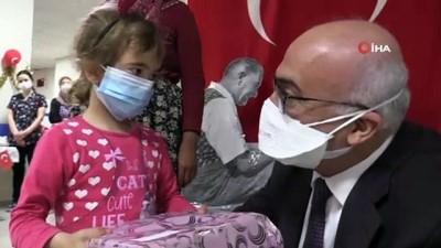 Rektör Ataç, 23 Nisan'ı çocuklarla birlikte kutladı