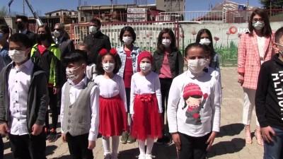 Şırnak'ta 23 Nisan, zırhlı araçlardan çalınan şarkılarla kutlandı
