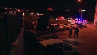 Kayseri'de bir garip kaza: Otoparka düşen otomobil dik durdu