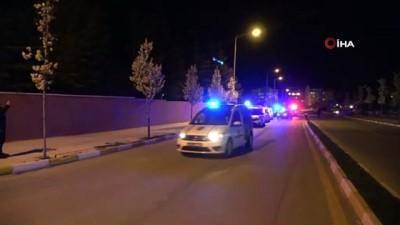 Polis ve Jandarma'dan kortej geçişi