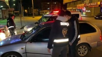 Ehliyetsiz ve ruhsatsız silah bulunduran sürücü bekçilerden kaçamadı