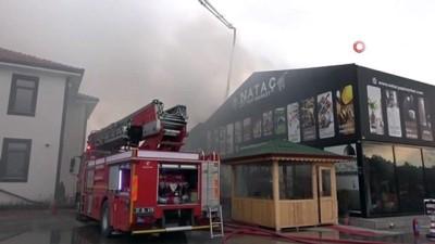 Kastamonu'da yapı malzemesi bulunan fabrikada yangın çıktı