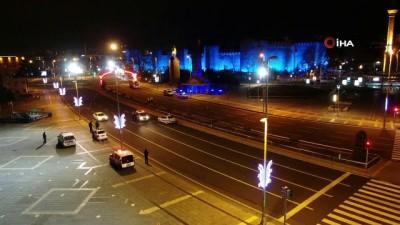 Otizm Farkındalık Günü'nde Tarihi Kayseri kalesi maviye büründü