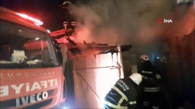 Otoparkta çıkan yangın eve sıçradı