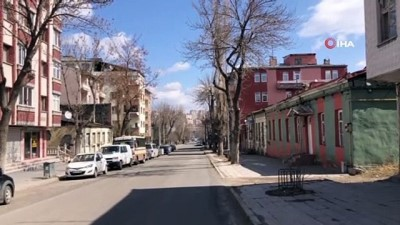 kopek -  Kars'ta caddeler sessizliğe büründü
