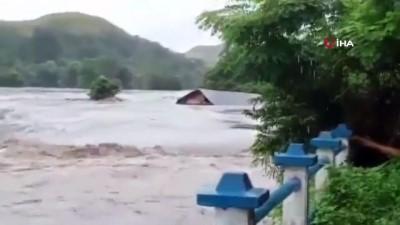 felaket -  - Endonezya'daki sel ve heyelan felaketinde can kaybı 70'e yükseldi
