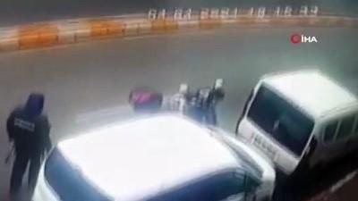 guvenlik onlemi -  İstanbul'da motosikletli sürücünün feci ölümü kamerada