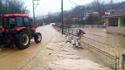 Dereler taştı, köy sular altında kaldı