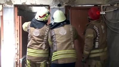 mahsur kaldi -  Fatih'te yaşlı adam caminin lavabosunda mahsur kaldı
