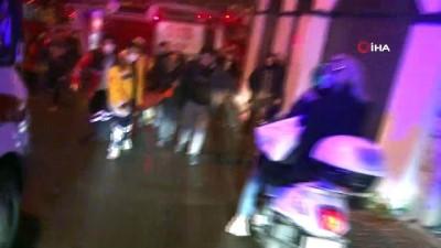mahsur kaldi -  İki katlı ahşap bina yanarak kül oldu: 1 yaralı