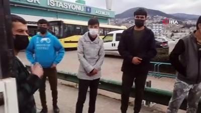 adli kontrol -  Kısıtlamada düğüne giderken yakalanan 8 göçmen sınırdışı edildi