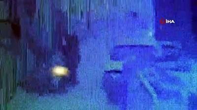 Lokantadaki 2 ayrı hırsızlık güvenlik kamerasına yansıdı