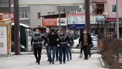 Niğde'de fuhuş operasyonu: 3'ü yabancı uyruklu 5 gözaltı