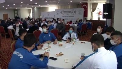 Gaziosmanpaşa'da 42 amatör spor kulübüne nakdi yardım yapıldı
