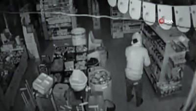 market -  Hırsızlık şüphelisi kamerada