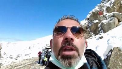 Munzur Dağlarında dağ kayağı keyfi
