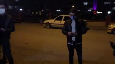 basin mensuplari -  Polisler maske ve mesafe denetimi yaptı.. Hakkında işlem yapılan kadın basın mensuplarına tepki gösterdi