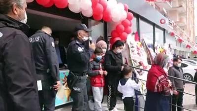 market -  Açılışında izdiham çıkan markete kapatma cezası