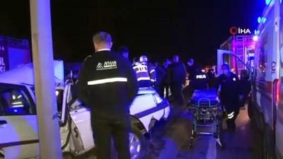 direksiyon -  İstanbul'da feci kaza: Direğe ok gibi saplanan araçtan sağ çıktı