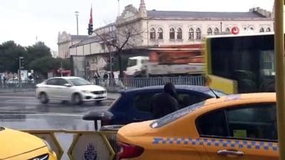 saganak yagis -  İstanbullular güne dolu ile uyandı