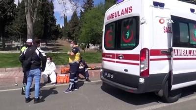 Vakaya giden ambulansa çarptı: İlk müdahaleyi çarptığı 112 yaptı