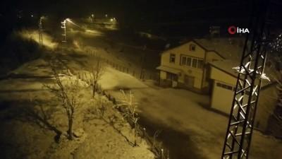 saganak yagis -  Zonguldak'ın yüksek kesimlerine kar yağdı