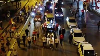 gaziler -  - 19 Mayıs coşkusu Mobil Cumhuriyet Fener Alayıyla son buldu